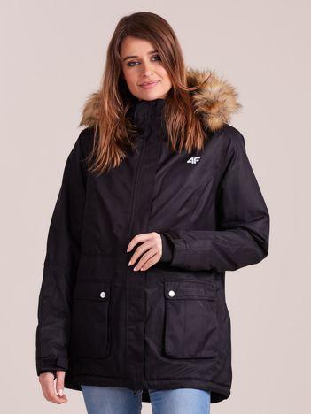 4F Czarna kurtka narciarska z kapturem i futerkiem