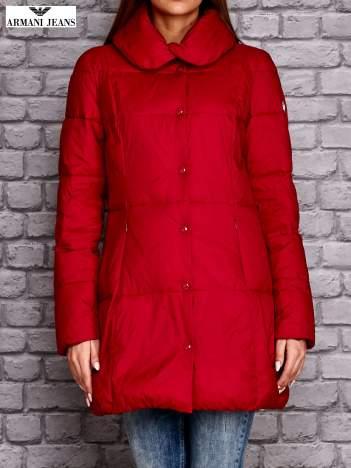 ARMANI JEANS Czerwona pikowana kurtka z kołnierzem