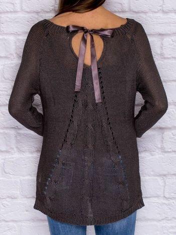 Ażurowy sweter ze wstążką ciemnoszary