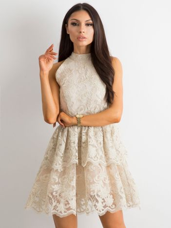 4ece84f1bc BY O LA LA Beżowa koronkowa sukienka z falbanami
