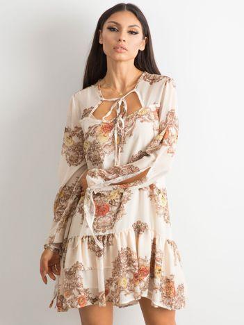 BY O LA LA Jasnobeżowa sukienka z falbaną