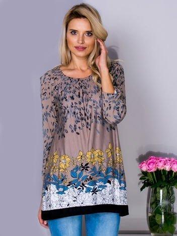 Beżowa bluzka z kwiatowym motywem