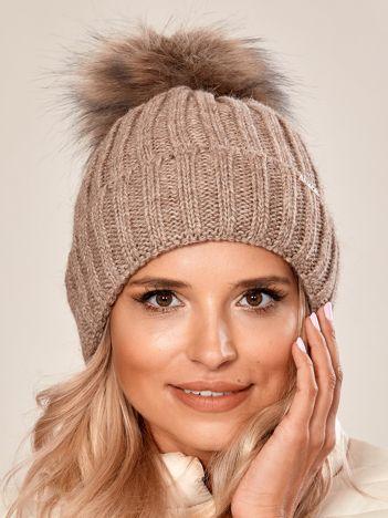 Beżowa damska czapka na zimę