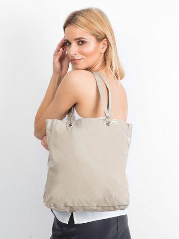 Beżowa lakierowana torba na ramię