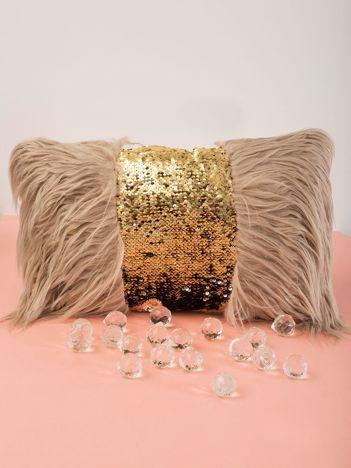 Beżowa poduszka z cekinami