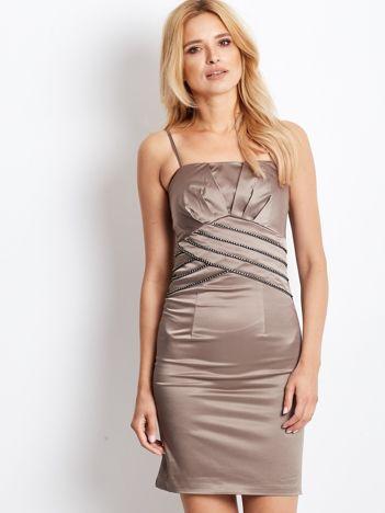 Beżowa sukienka z błyszczącą aplikacją