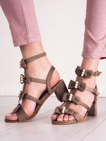 Beżowe sandały SABATINA z kokardkami