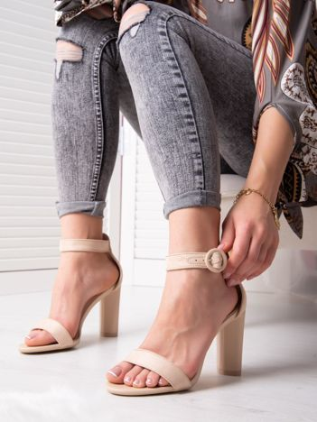 Beżowe sandały na wysokim słupku z eco zamszu