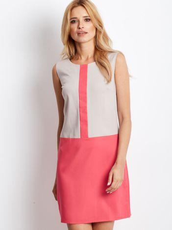 Beżowo-koralowa sukienka o prostym kroju