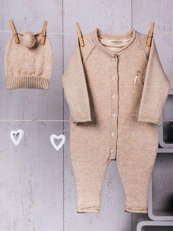 Beżowy 2-częściowy komplet niemowlęcy z dzianiny pajacyk i ciepła czapeczka dla dziewczynki