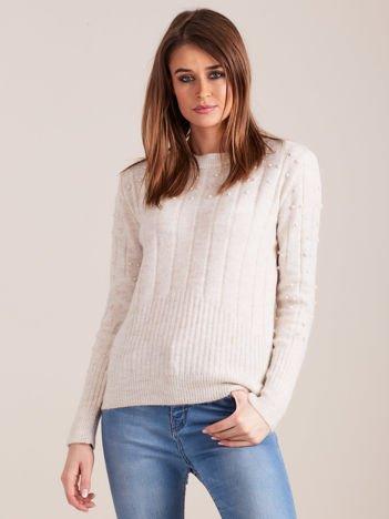 Beżowy dzianinowy sweter