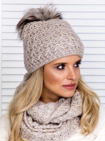 Beżowy komplet damski czapka z pomponem i komin