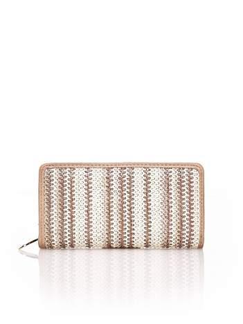 Beżowy pleciony portfel w pionowe paski
