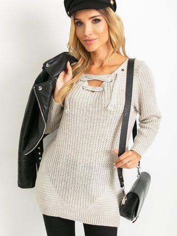 Beżowy sweter ze sznurowaniem