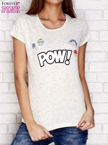 Beżowy t-shirt z napisem POW