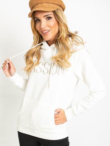 Biała bluza Bisou