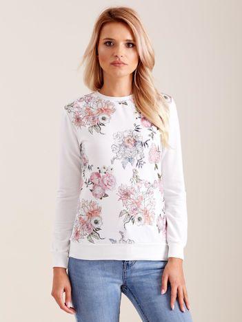 Biała bluza w kwiaty