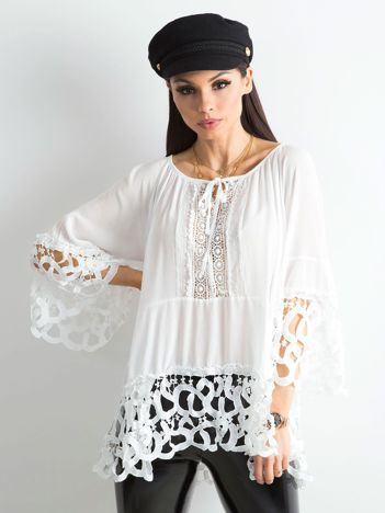 Biała bluzka koronkowa oversize