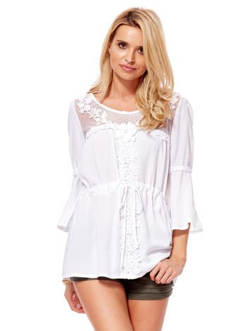 Biała bluzka z wiązaniem i transparentnym dekoltem
