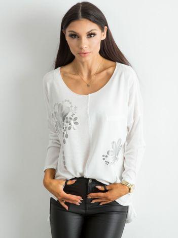 Biała damska bluzka z nadrukiem