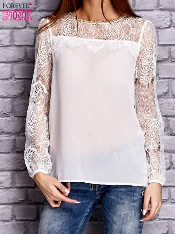 Biała koszula mgiełka z koronkowymi rękawami