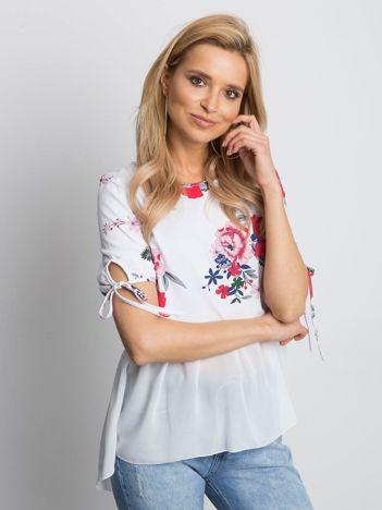 Biała kwiatowa bluzka z szyfonowym dołem