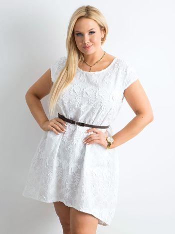 Biała luźna sukienka PLUS SIZE