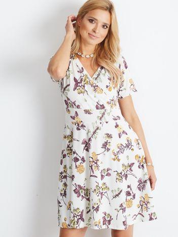 Biała sukienka Subtly