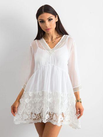 Biała sukienka damska z koronką