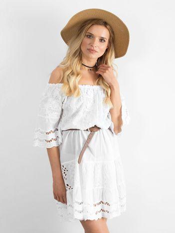Biała sukienka hiszpanka boho