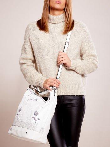 Biała torba z łączonych materiałów w stylu japońskim