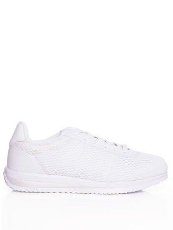 Białe ażurowe buty sportowe na sprężystej podeszwie