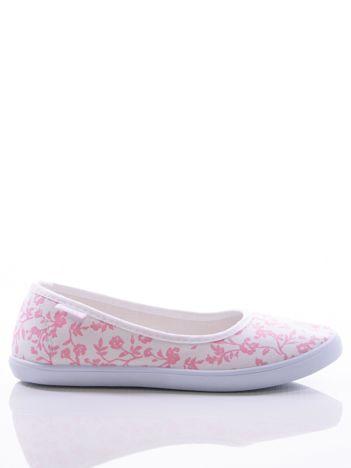 Białe baleriny w różowe kwiatki