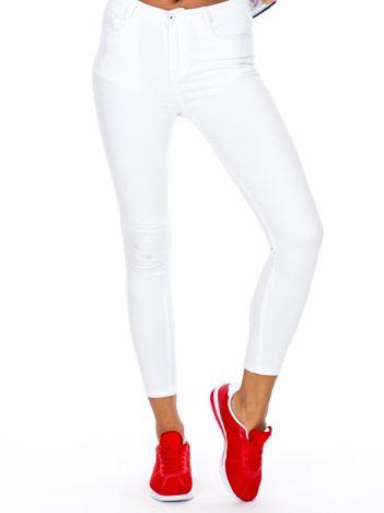 Białe dopasowane spodnie z wysokim stanem