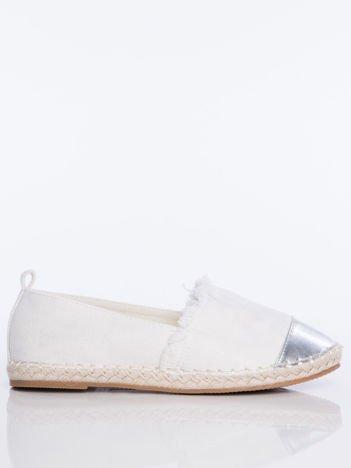 Białe płócienne espadryle przecierane złotem, ze złotą wstawką  na przodzie buta