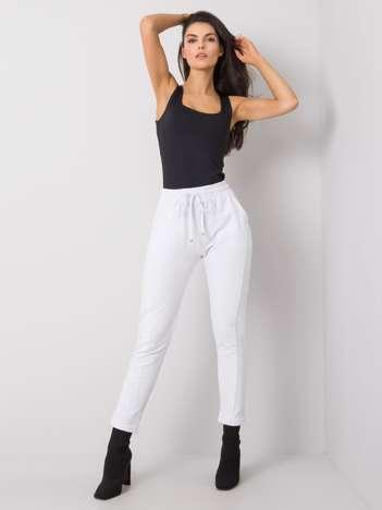 Białe spodnie Approachable