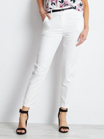 Białe spodnie Trinny