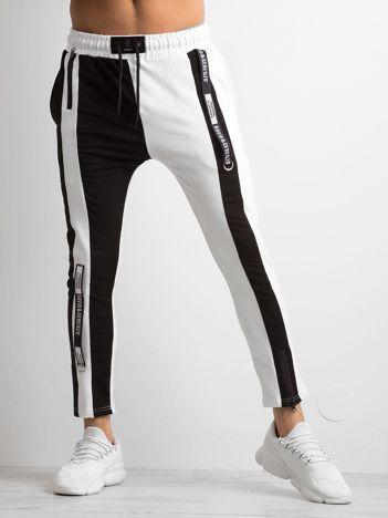 Białe spodnie dresowe męskie ze wstawkami