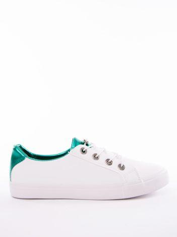 Białe trampki z lustrzaną zieloną wstawką na pięcie