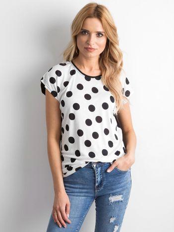 Biało-czarny t-shirt w grochy