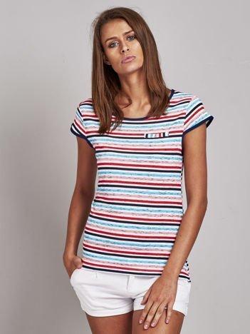 Biało-czerwony t-shirt w kolorowe paski