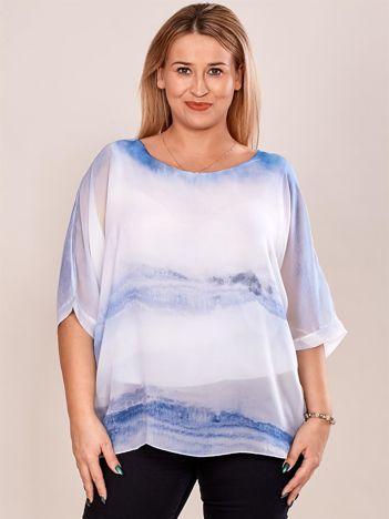 Biało-niebieska bluzka w malarskie desenie PLUS SIZE