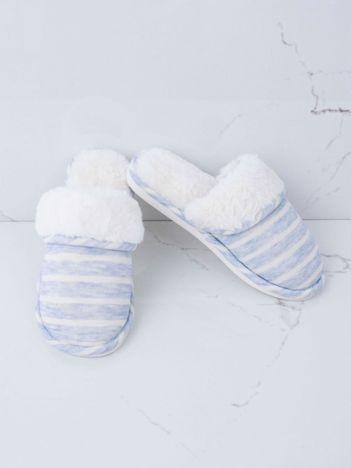 Biało-niebieskie futrzane kapcie