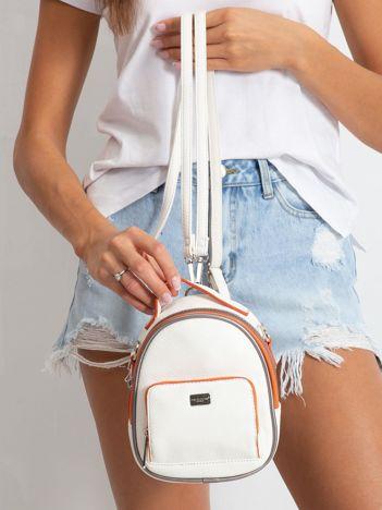 Biało-pomarańczowy mini plecak z ekoskóry