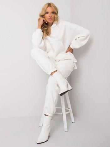 Biały komplet dresowy Janessa