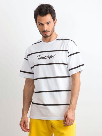 Biały męski t-shirt w paski