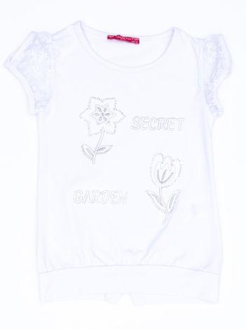 Biały t-shirt dla dziewczynki z kwiatami
