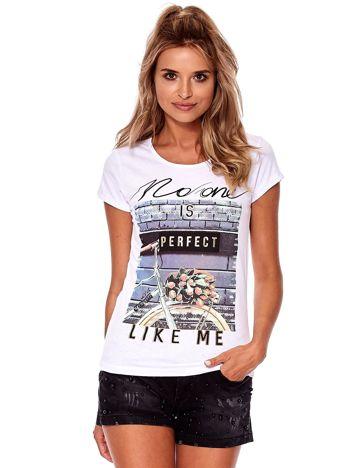 Biały t-shirt z printem