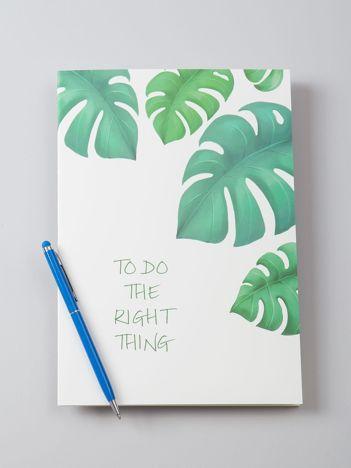 Biały zeszyt z motywem roślinnym