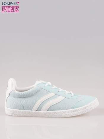 Błękitne buty sportowe w stylu casual